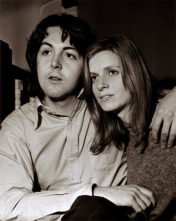 True o False: Paul McCartney and wife Linda McCartney only spent a mes apart during their marriage.