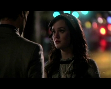 What did Blair कहा to Nate before she get into the limo and went to Victrola to meet Chuck?