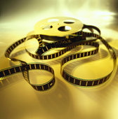 """The epic film """"The Robe"""" made in 1953 was the first 'widescreen' film? True o false?"""