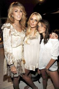 Lindsay's mom, sister, and brother all had cameos in two of her movies. Which movie did they NOT appear in?
