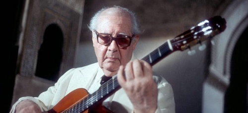 Identify this famous classical guitarist