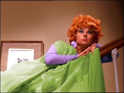 FOR THE DIE-HARD FAN: Who chose Agnes Moorehead for the role of Endora, Samantha's witch mother?