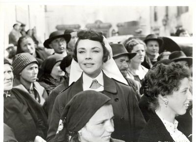 Which movie starring Jennifer Jones is this scene from?
