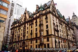 This is the Dakota Bldg that was used in the horror film Rosemary's Baby. In real-life which of these stars have actually lived there?