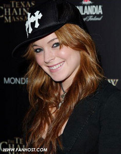 Which actor did Lindsay Lohan date?