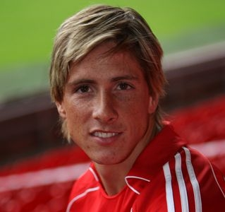 What is Fernando Torres' original hair colour?