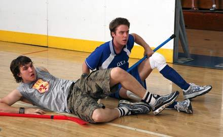 What was the sign Dale hold at the floor hockey finals?