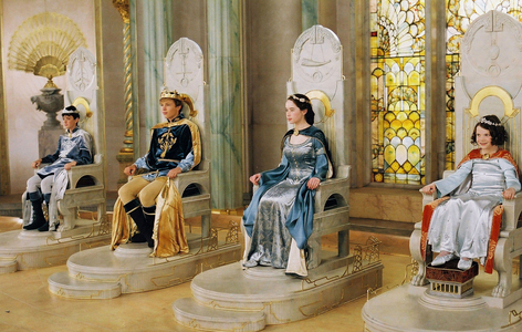 Which Pevensie DIDN'T get a gift from Father Christmas in The Chronicles of Narnia: the Lion, the Witch, and the Wardrobe?