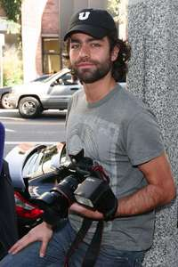 Adrian Grenier takes a picture of a Greener Future!