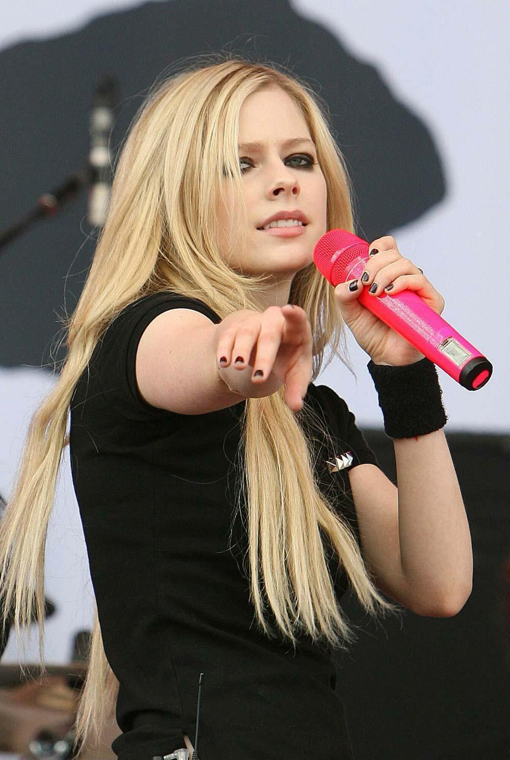 avril lavigne images avril singing hd wallpaper and background