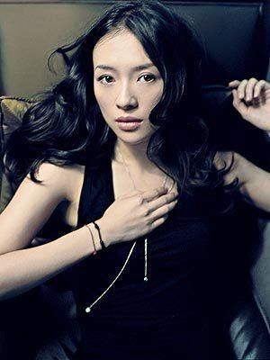 http://images1.fanpop.com/images/image_uploads/zhang-ziyi-zhang-ziyi-1151209_300_400.jpg