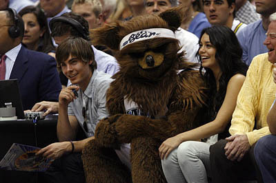 Zanessa at the Jazz Game