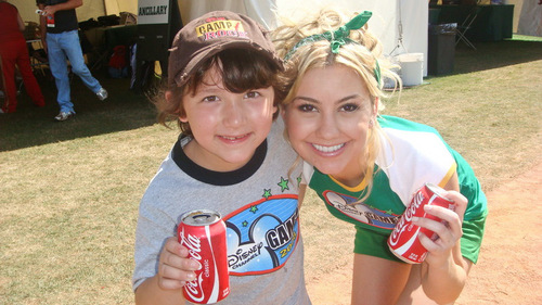 Chelsea with Frankie Jonas! :]