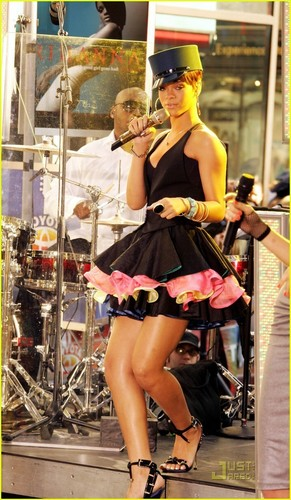 Rihanna - Today Show