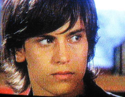 http://images1.fanpop.com/images/photos/1900000/Andres-Gill-Bruno-patito-feo-1972102-500-387.jpg