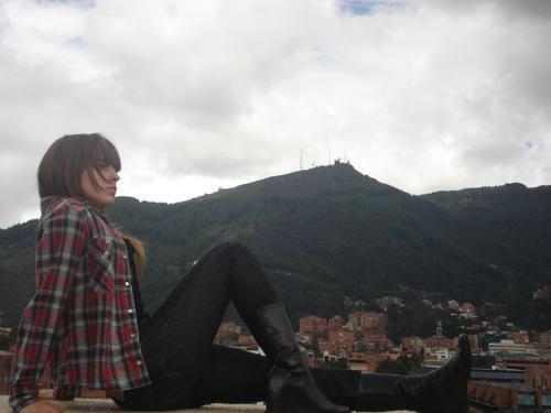 http://images1.fanpop.com/images/photos/1900000/Camila-Outin-Pia-patito-feo-1972160-500-375.jpg