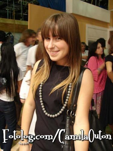 http://images1.fanpop.com/images/photos/1900000/Camila-Outin-Pia-patito-feo-1972162-375-500.jpg