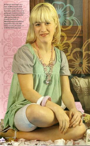 http://images1.fanpop.com/images/photos/1900000/Camila-Salazar-Caterina-patito-feo-1972174-309-500.jpg
