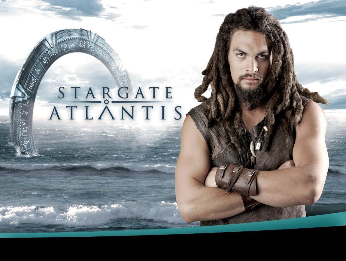 http://images1.fanpop.com/images/photos/2400000/stargate-atlantis-stargate-sg1-atlantis-2469636-1152-870.jpg