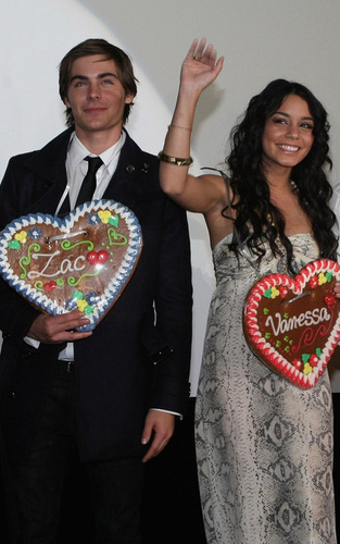 Zanessa at Munich Premiere