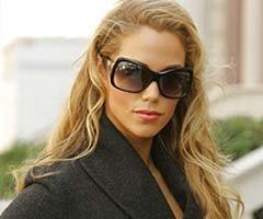 http://images1.fanpop.com/images/photos/2600000/Elizabeth-Berkley-elizabeth-berkley-2643495-240-200.jpg