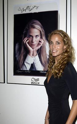 http://images1.fanpop.com/images/photos/2600000/Elizabeth-Berkley-elizabeth-berkley-2643501-250-400.jpg