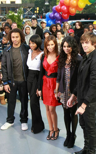 HSM 3 Stars at Today onyesha