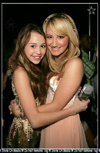 Miley + Ashley